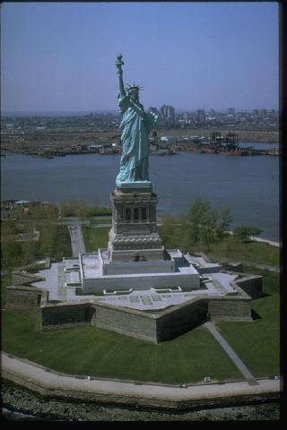 statue of liberty die freiheitsstatue medienwerkstatt wissen 2006 2017 medienwerkstatt On freiheitsstatue höhe