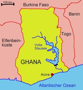 Ghana ist mit ausnahme zweier hügelketten an der ostgrenze bzw. im