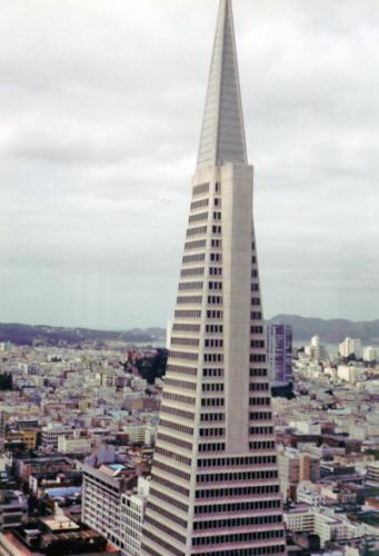 Transamerica Pyramid - Das höchste Gebäude in San ...