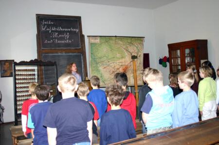 Unterricht vor 100 Jahren - Medienwerkstatt-Wissen © 2006